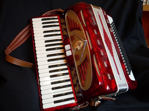 Galanti 120 bass compact accordion (sold)