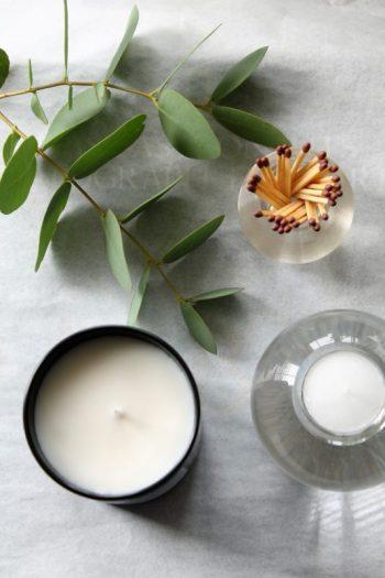 VI Luxury candle