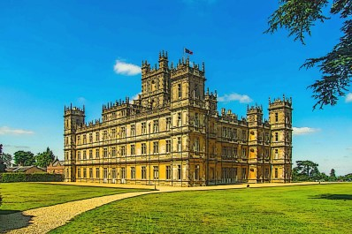 highclere-castle-848297_1920