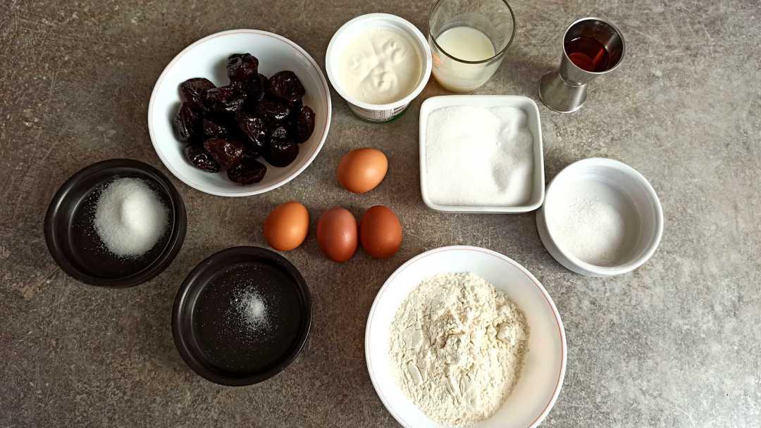 Les ingrédients du clafoutis aux pruneaux