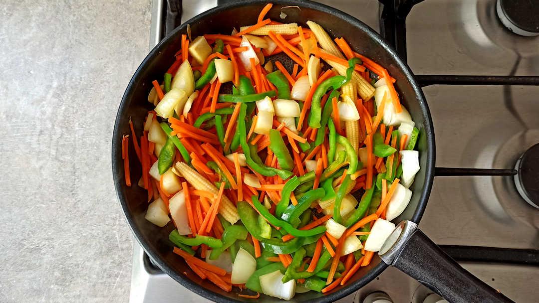 Faire revenir les légumes