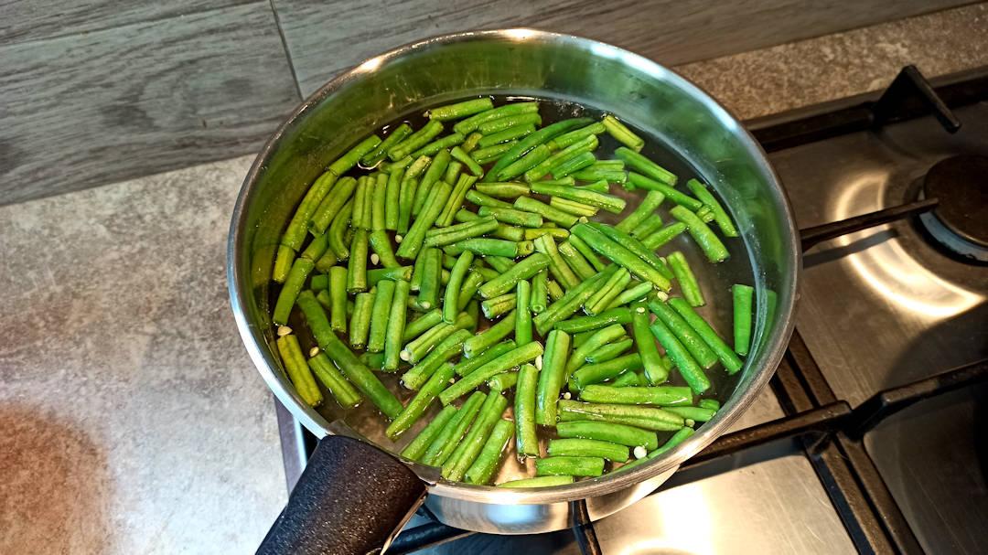 Plonger les haricots verts pendant 1 minutes