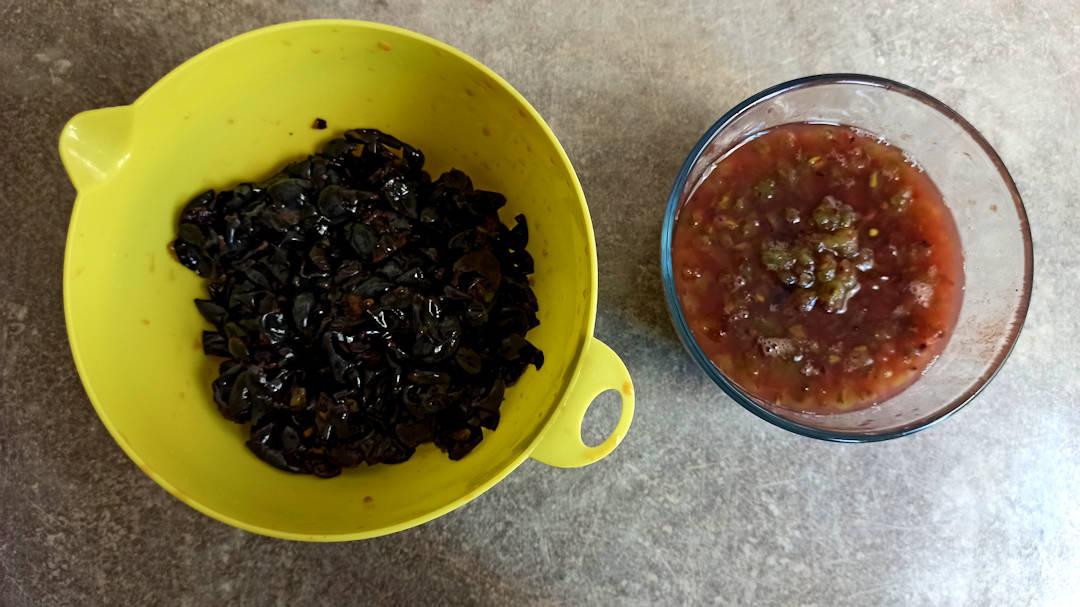 Séparer la peau et la pulpe de tous les raisins