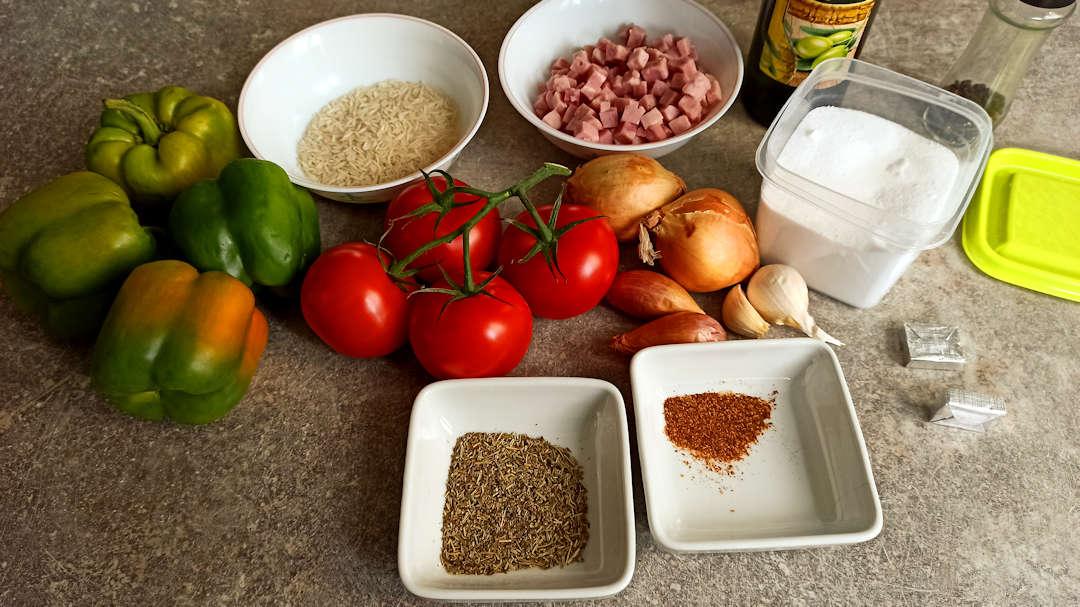 Les ingrédients des poivrons verts farcis à la provençale