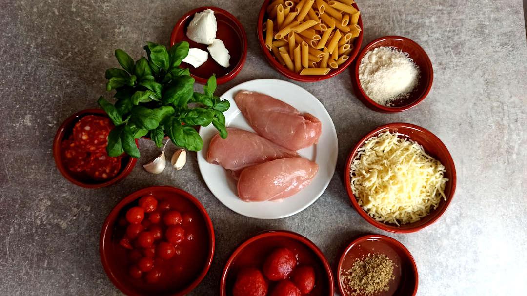 Les ingrédients du gratin de pâtes au poulet et au chorizo