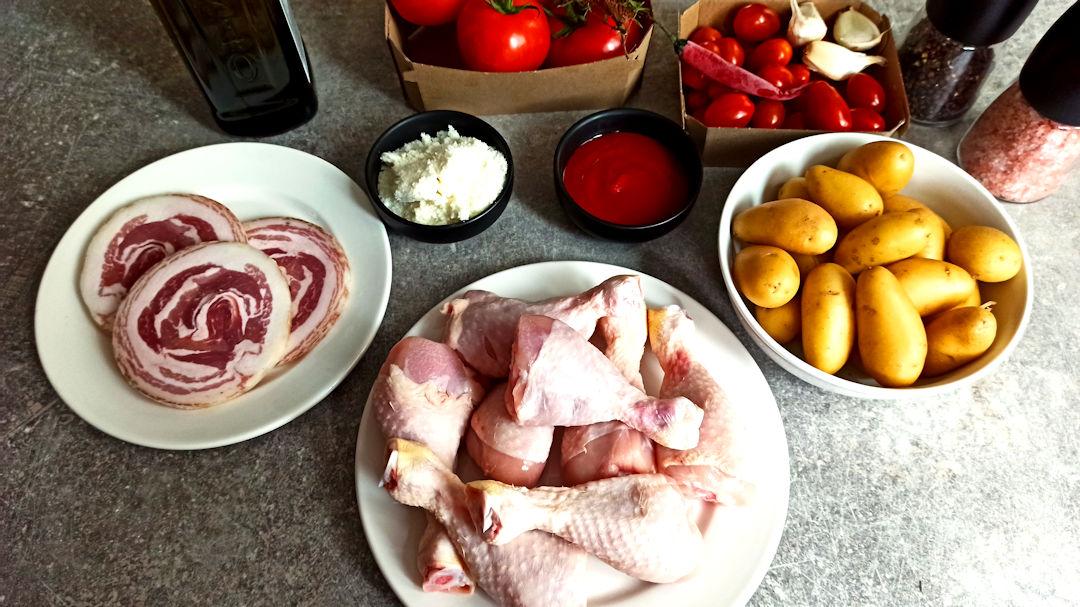 Les ingrédients du traybake de poulet à l'amatriciana