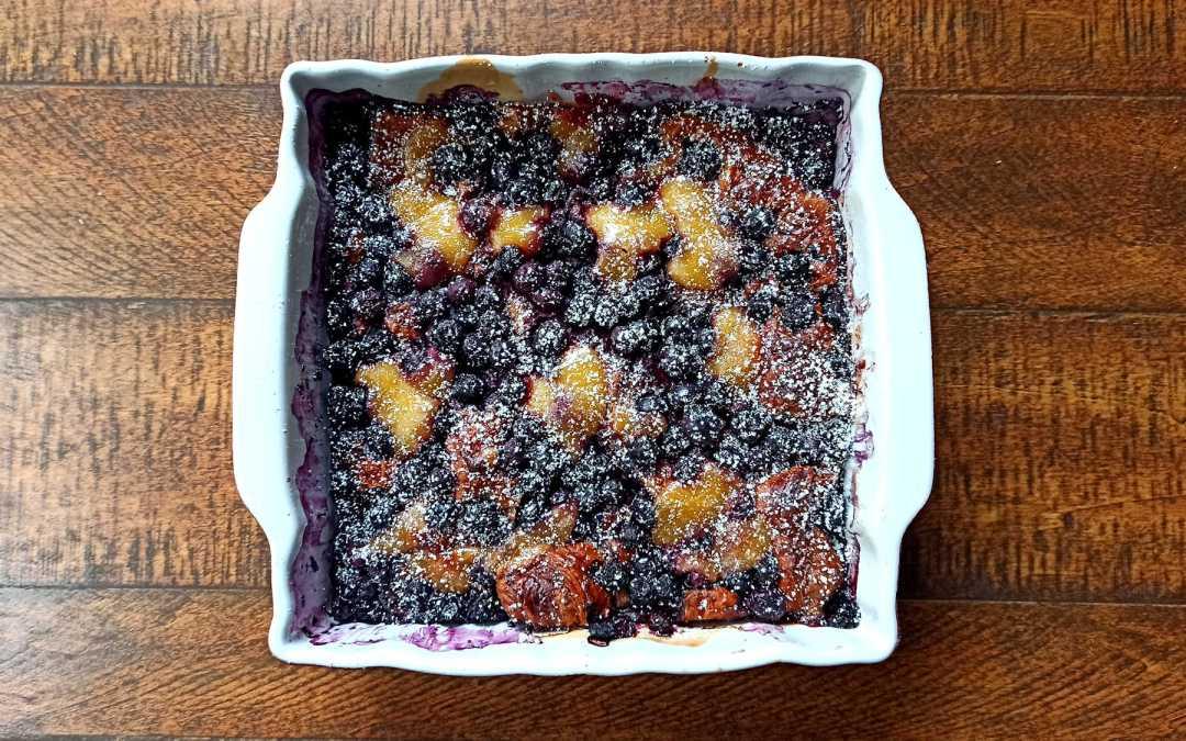 Le gâteau de croissants aux myrtilles et au lemon curd