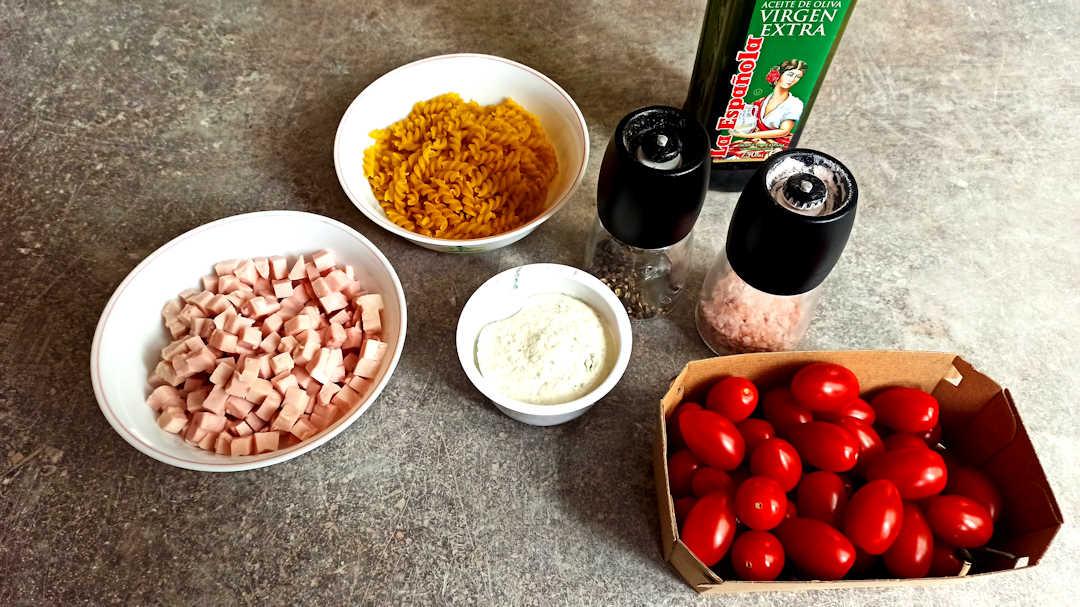 Les ingrédients des fusili aux tomates rôties
