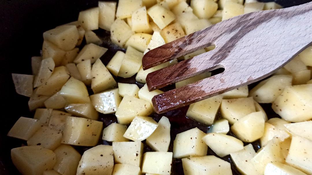 Les cubes de pommes de terre
