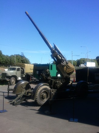 A WWII (anti-aircraft?) gun near the entrance of the Museum of Transport and Technology, Auckland's main museum of technology.
