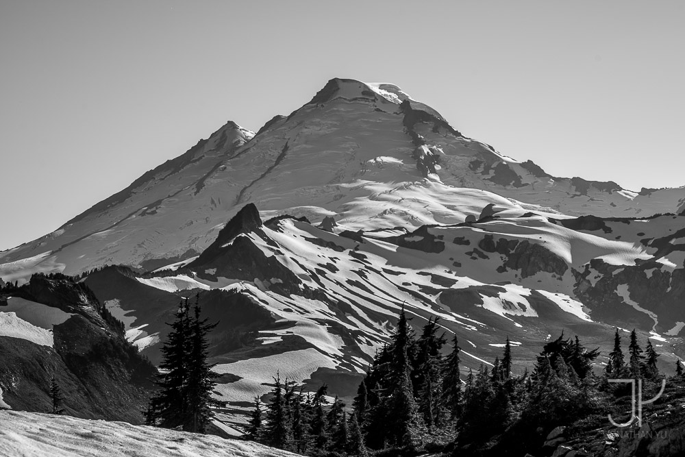 Telephoto shot of Mt Baker from Table Mountain