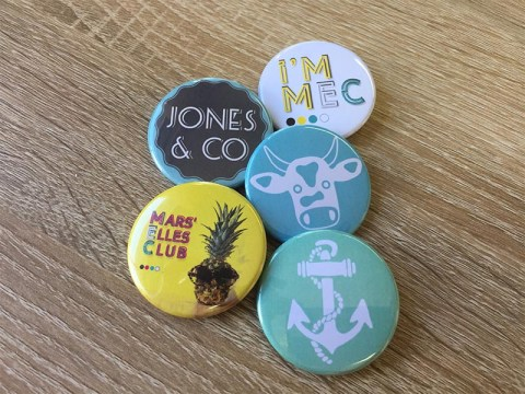 Agence-Jones-and-co-marseille-realisations-badges-personnalises