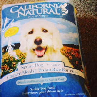Delicious kibble for senior dogs from California Naturals