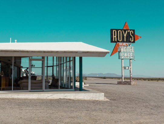 Photo Story: Roy's in Amboy