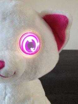 Les yeux du chat Gipsy sont animés.