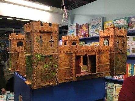 Monte ton château fort avec Usborne