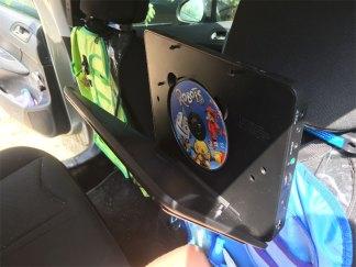 le lecteur dvd de voiture D-jix de Logicom