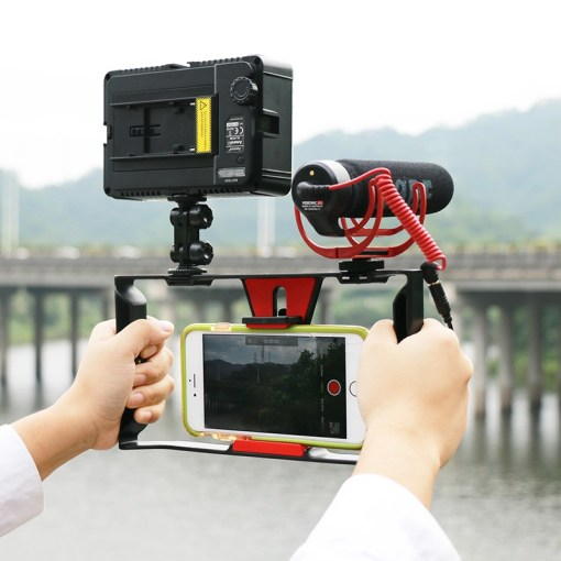 Ulanzi-Handheld-Smartphone-Video-Rig-Case-for-iPhone-X-Samsung-Phone-Rig-Stabilizer-for-Live-stream-3.jpg