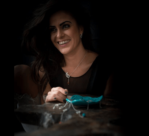 Anna-Alicia voor de nieuwe collectie van Nooré