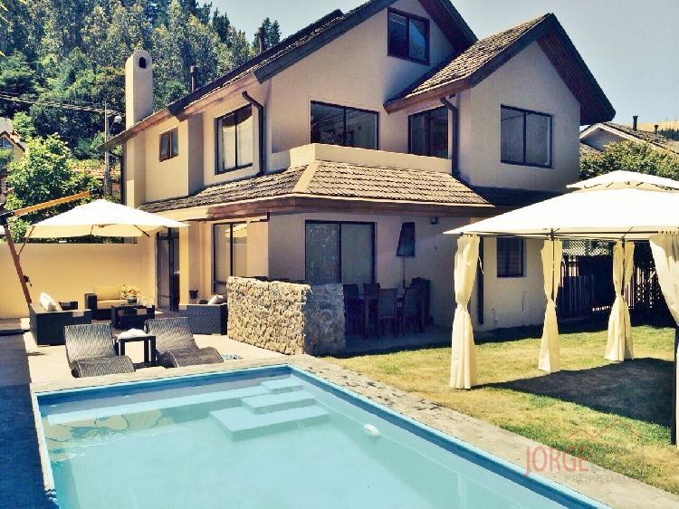 venta de Impecable Casa en Lonco Gran Piscina y Quincho  Venta Casa