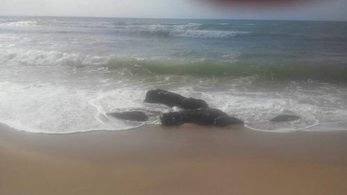 Salvador - Praia de Piatã é liberada após duas semanas de interdição