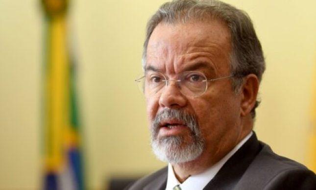 Ex- ministro diz que Bolsonaro quer armar a população para uma guerra civil