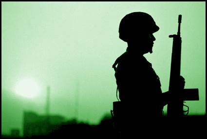https://i0.wp.com/www.jornada.unam.mx/2003/03/06/Images/ls-militar.jpg?w=640