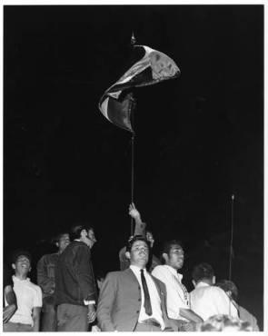 El movimiento magisterial exigia el reconocimiento de sus representantes sindicales seccionales encabezados por Othón Salazar, quien fue sometido a violentos interrogatorios y encarcelado