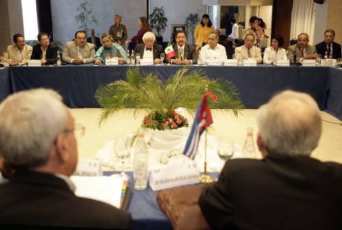 https://i0.wp.com/www.jornada.unam.mx/2010/02/21/fotos/005n1pol-1.jpg