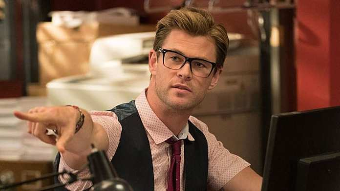 Chris Hemsworth no filme Caça-Fantasmas