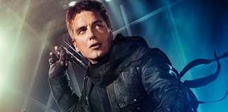 John Barrowman como Malcolm em Arrow