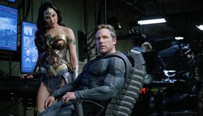 Batman e Mulher-Maravilha em foto do filme Liga da Justiça