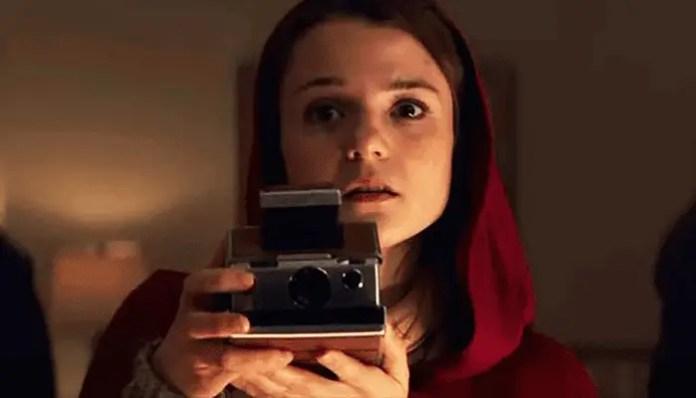 Imagem de Kathryn Prescott em no filme Polaroid