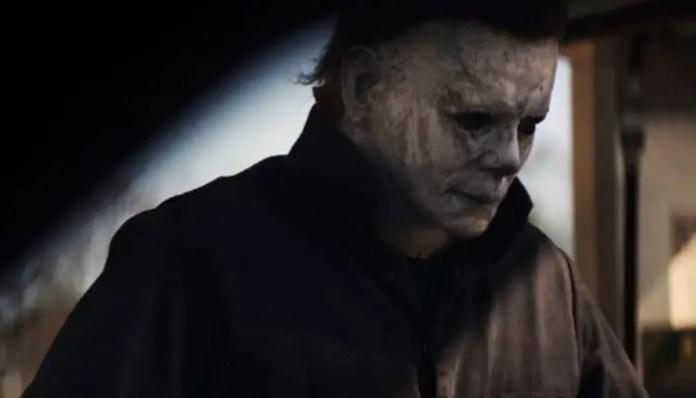 Imagem de Michael Myers no filme Halloween