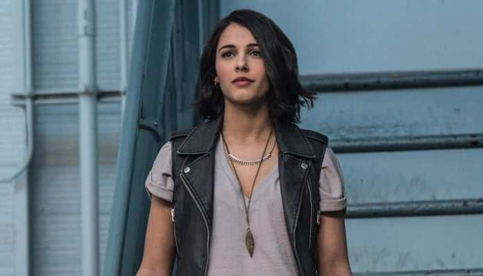 Naomi Scott como Kimberly em Power Rangers