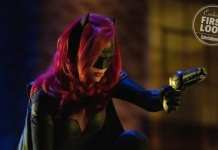 Ruby Rose como a Batwoman no crossover do Arrowverse