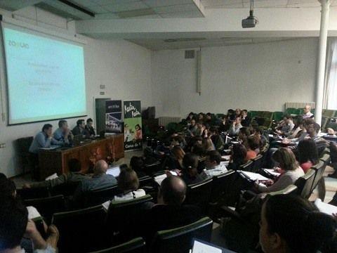 El aforo de las JornadasMarketingOnline.com en el salón de actos de la Facultad Economicas