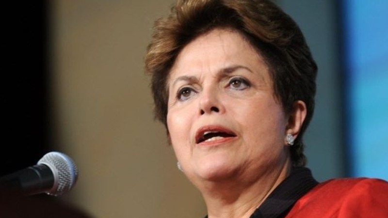 Sem melhora política e com fraco ajuste fiscal, Brasil pode sofrer novos cortes