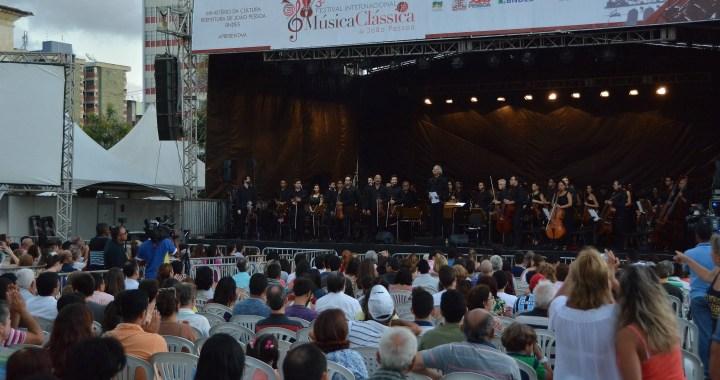 Concerto de encerramento do III Festival de Música Clássica lota Praça Dom Adauto