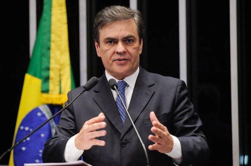 Cássio Cunha Lima chama atenção para a seca no semiárido nordestino
