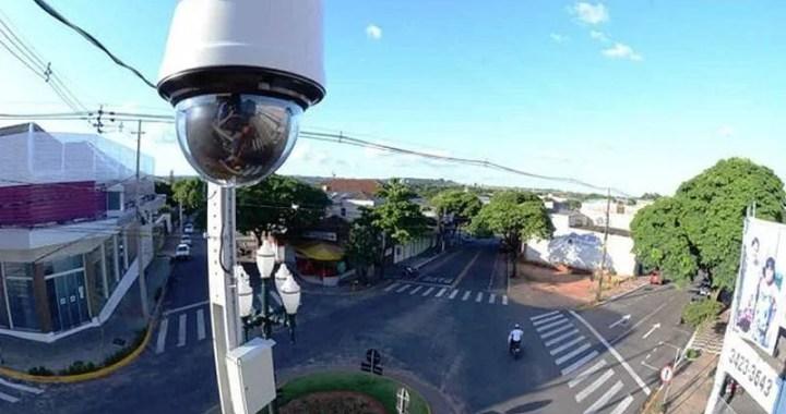 Prefeitura instala câmeras e inicia trabalho de videomonitoramento no Centro da Capital