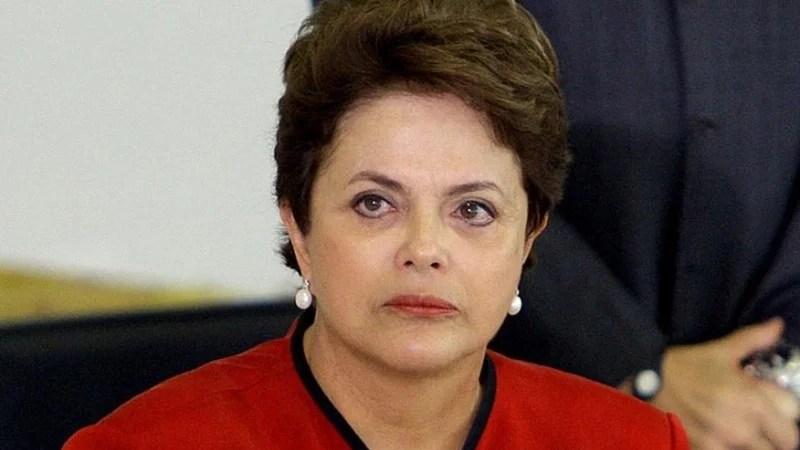PT ameaça se afastar de Dilma Rousseff, diz colunista
