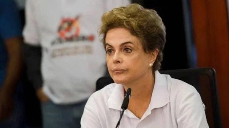Oposição se articula com PMDB para impulsionar impeachment