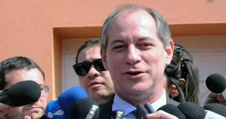 Ciro: 'Eduardo Bolsonaro é um imbecil, com um português muito ruim'