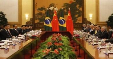 Temer encontra Xi Jinping e assina acordos 'positivos para o Brasil' com a China