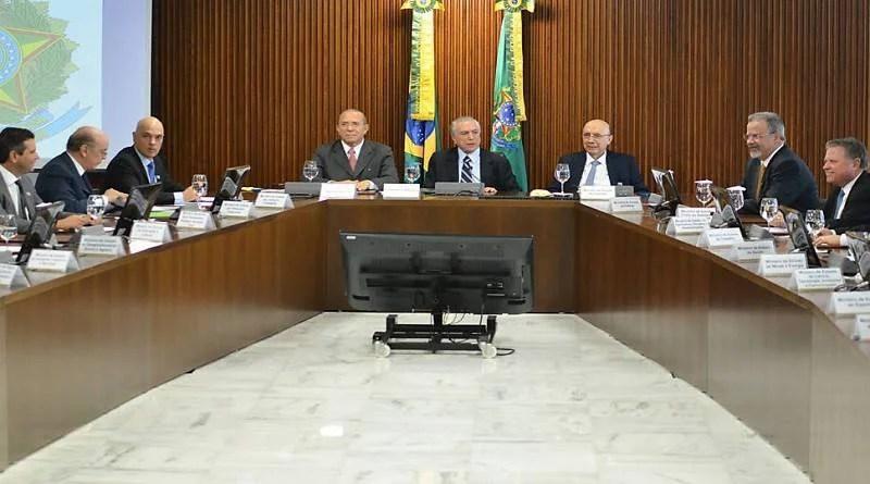 Ao menos 9 ministros de Temer planejam deixar cargos para disputar eleições