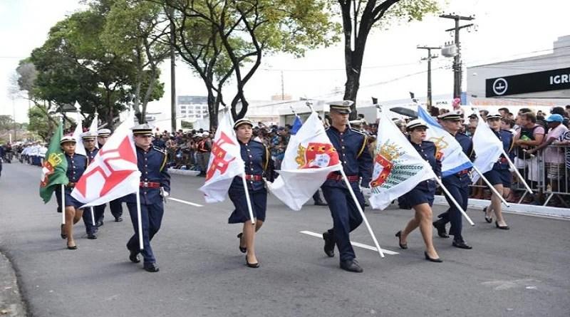 Grande público marca desfiles em João Pessoa e Campina Grande
