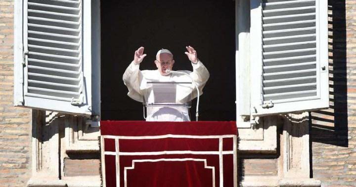Papa critica 'proliferação das armas' e faz alerta a novos governantes