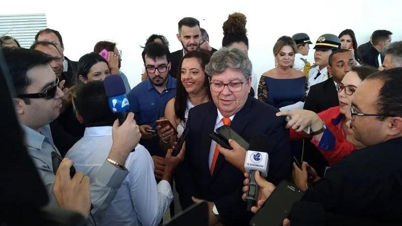 João Azevêdo revela primeiras ações após tomar posse como governador da Paraíba
