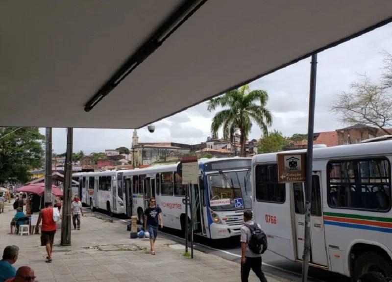 Empresas de ônibus não têm previsão para normalizar salários